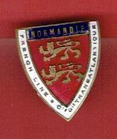 INSIGNE EMAILLE PAQUEBOT TRANSATLANTIQUE NORMANDIE FRENCH LINE 1935 1942 PENHOUET SAINT NAZAIRE RUBAN BLEU - Bateaux