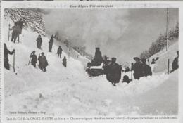 GARE DU COL DE LA CROIX HAUTE EN HIVER - CHASSE NEIGE EN TETE D'UN TRAIN - EQUIPES DE DEBLAIEMENT - SUPERBE - 1900 - Autres Communes