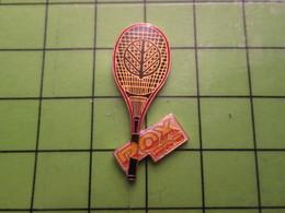 1012c Pin's Pins / Rare Et De Belle Qualité / THEME SPORTS / RAQUETTE DE TENNIS ROX - Tennis