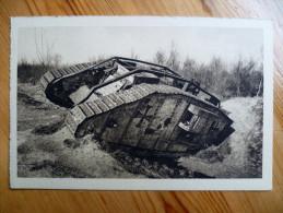 51 : Tank Allemand Immobilisé Par L'artillerie Française Sur La Route De Suippes  - Militaria : 1914-1918 - (n°1812) - Equipment