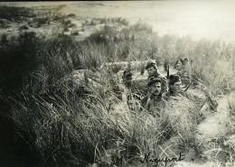 Belgique Nieuport Nieuwpoort Soldats Dans Les Dunes Camouflage WWI Ancienne Photo 1918 - Guerre, Militaire