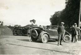 France Mémoires D'une Dépanneuse Accident De Voiture Renversee Ancienne Photo 1935 - Cars