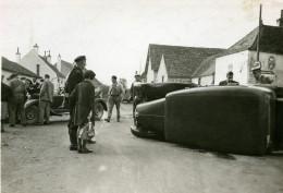 France Mémoires D'une Dépanneuse Accident De Voiture Village Ancienne Photo 1935 - Cars
