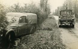 France Mémoires D'une Dépanneuse Accident De Camionnette Fosse Ancienne Photo 1935 - Cars