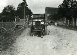 France Mémoires D'une Dépanneuse Accident De Voiture Peugeot Et Velo Ancienne Photo 1935 - Cars