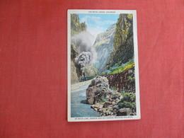 On Main Line Denver & Rio Grande Western Railroad-- Royal Gorge  Colorado >   Ref 3016 - Etats-Unis