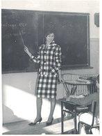 Photo Maitresse Des Ecoles, 1961 - Photos