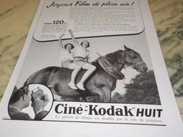 ANCIENNE AFFICHE  PUBLICITE EN PLEIN AIR CINE-KODAK HUIT 1939 - Photography