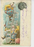 SPECTACLE - CIRQUE - CLOWN - Jolie Carte Fantaisie Numéro De Clowns Avec Chaises Et Pistolet Signée ROICK - Circo