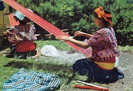 1 AK Guatemala * Typical Stickings And Native Indians - Krüger Karte * - Guatemala