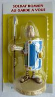 FIGURINE EN RESINE ASTERIX ATLAS 15 SOLDAT ROMAIN AU GARDE A VOUS Neuf Sous Bister - Asterix & Obelix