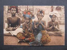 AK BALI In Biddende Houding  Ca.1910  ///  D*33635 - Indonesien