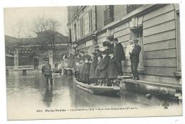 CPA TRES ANIMEE PARIS - VENISE, GROSSE ANIMATION RUE DES CHANTIERS ( Ve ARRONDISSEMENT ), INONDATIONS 1910, PARIS 75 - Inondations De 1910