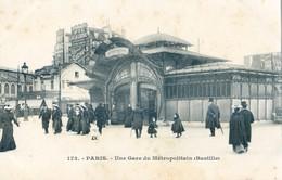 75 - Paris - Une Gare Du Métropolitain - Bastille - Public Transport (surface)