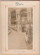 Photo PARIS Sur Carton Recto : Grand Escalier De L' Opéra , Verso : Vue Générale Du Louvre - Voir Description - Photos