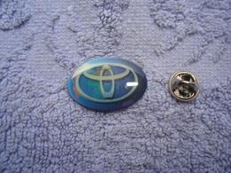 Pin Toyota Logo Wereld - Toyota