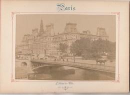Photo PARIS Sur Carton Recto : L' Hôtel De Ville , Verso : Place De La Bastille - Voir Description - Photos