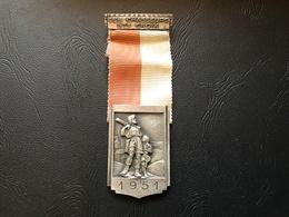 Medaille SUISSE - Les Chasseurs De SAINTE CROIX - 1951 - Professionnels / De Société