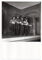 """Artiste-Chanteurs-Musiciens-""""Les Frères Jacques"""" --Photo Originale Presse IMAPRESS --format  26cm X 18cm - Chanteurs & Musiciens"""