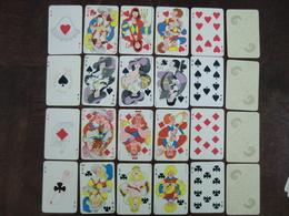 Jeu De 52 Cartes à Jouer Philibert Les Mousquetaires Tranches Dorées Illustration Dubout - Cartes à Jouer Classiques