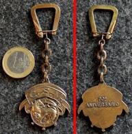 Ancien Porte-clé En Bronze Doré : De La Compagnie Maritime Portugaise Ou Brésilienne CSM Pour 70° Anniversaire - Bateaux