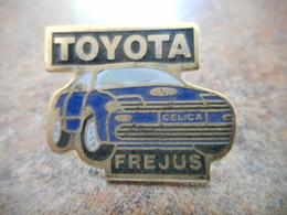 A008 -- Pin's Toyota Frejus - Toyota