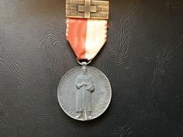Medaille SUISSE 1944 - Gott Gebe Uns Den Freiden Muttwenn Kampf Uns Beschieden - Professionals / Firms