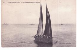 Douarnenez - Barques Et Torpilleurs - Douarnenez