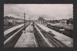 CPSM Pf. Dépt.27. ÉVREUX . La Gare .Train De Voyageurs . - Evreux