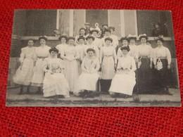 LANDEN  - Vlaamse Kermis, Mei 1910. Groep Verkoopsters - Kermesse Flamande, Mai 1910 - Groupe De  Vendeuses - Landen