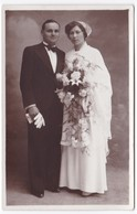 Ancienne Carte Photo Couple Mariage Robe Coiffe Costume - Personnes Anonymes