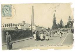CPA 60 BRESLES SORTIE DE LA RAFFINERIE Tres Abimee - Frankreich