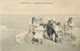LITTORAL BELGE - CONSTRUCTION DE FORTERESSES - ENFANTS - PLAGES - Sin Clasificación