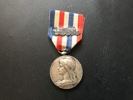 Medaille D'Honneur Des Chemins De Fer  1942 Echelon Argent - France