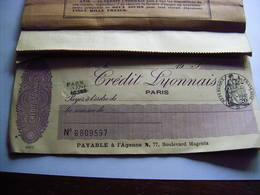 Chèque Rare Carnet De Chèques Du Credit Lyonnais Agence 77 Boulevard Magenta Paris Années 1920/30 Reste 4 Chèques - Chèques & Chèques De Voyage