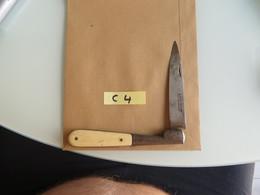 Couteau ((( Ecrit Sauvagnat,peut-etre))) De 23 Centimetres Ouvert ;plusieurs Scans - Blankwaffen