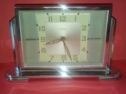 VINTAGE Et ORIGINAL ANCIEN RÉVEIL MÉCANIQUE BAYARD La Sonnerie Fonctionne à Révisé Ou Pour Décoration - Alarm Clocks