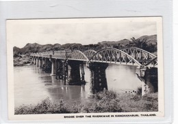 BRIDGE OVER THE RIVER KWAE IN KANCHANABURI, THAILAND. CIRCA 1950s.- BLEUP - Thailand
