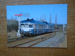 Train , Les Autorails X2840 Et 2886 , En Charge D'un Ter Limoge-bordeaux , Arrivent à Agonac ( 24 ) - Trains