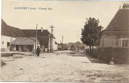 39 ANNOIRE . Grande Rue Animée ,édit :Mp Bourgeois  , écrite En 1926 ,état Extra - Other Municipalities