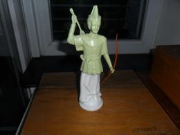 ANCIEN  FLACON  AVON  ROBIN DES BOIS  / E  De T  TASHA    50 Ml  / ETQ SOUS FL. /  VIDE - Flesjes (leeg)