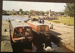 Barges At Canal Lock And Basin, Bancroft Gardens, Stratford-upon-Avon, Warwickshire - Postcards