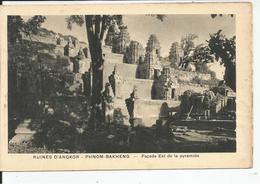 TEMPLE D ANGKOR VAT     Façade Est De La Pyramide - Cambodge
