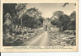 TEMPLE D ANGKOR VAT       Porte Est Dite De La Victoire - Cambodge