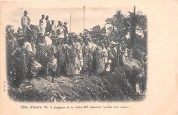 ¤¤   -    CÔTE D'IVOIRE    -  Indigènes De La Rivière BIA Attendant L'arrivée D'un Vapeur  -   ¤¤ - Côte-d'Ivoire