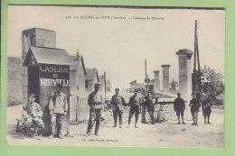 LA ROCHE SUR YON : Caserne De Mirville. 2 Scans. Edition Jely Poupin - La Roche Sur Yon