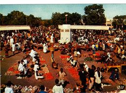 REPUBLIQUE DU NIGER NIAMEY LE MARCHE Superbe CPSM 15X10.5 Bon état Voir Scans - Niger