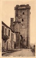 32)  BASSOUES -RUE ET DONJON  DU XIII  - 48 Metres De Haut  -  Photo Fenetra Non Circulée Neuve TBE - Other Municipalities