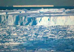 1 AK Antarctica Antarktis * Terre Adelie * Glacier - Icebergs And Broken Ice * - Ansichtskarten