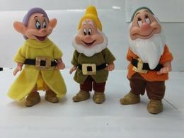 BARBIE Disney Nains De Blanche Neige (3) Timide , Simplet, Joyeux . Hauteur 11 Cm - Barbie